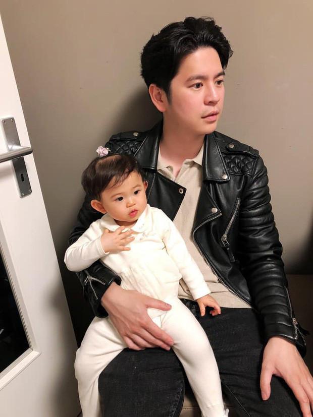 Mai Hồ khoe khoảnh khắc thân mật bên chồng hậu sinh con thứ 2 nhưng ngoại hình ông xã Việt kiều gây chú ý