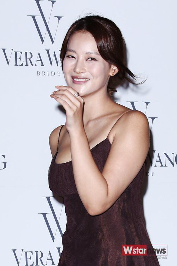 Nhan sắc màn ảnh giữa Goo Hye Sun và Oh Yeon Seo: Chỉ vì gợi cảm, thần thái sắc sảo bỗng thành tiểu tam tin đồn