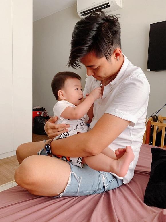 Yêu vợ như chồng Lâm Khánh Chi: Anh ấy là siêu nhân đấy, tất cả việc lớn nhỏ trong gia đình anh ấy làm hết