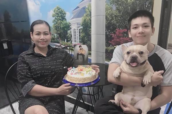 Khởi My cùng mẹ chồng tổ chức sinh nhật ấm áp, giản dị cho Kelvin Khánh tại nhà