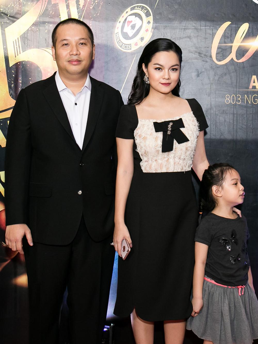 Phạm Quỳnh Anh xúc động cám ơn Quang Huy cho cô hát nhạc miễn phí sau ly hôn