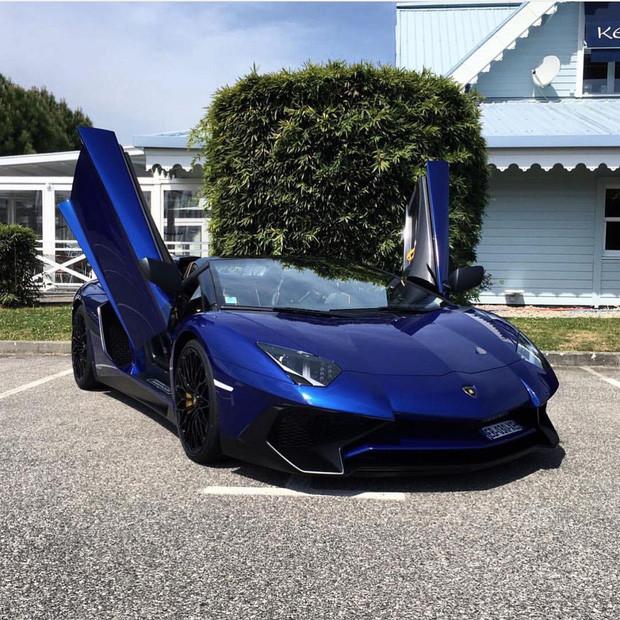 Chưa phải giàu nhất BTS, anh cả Jin lại gây choáng vì tậu Lamborghini 12 tỉ bổ sung vào BST siêu xe thể thao