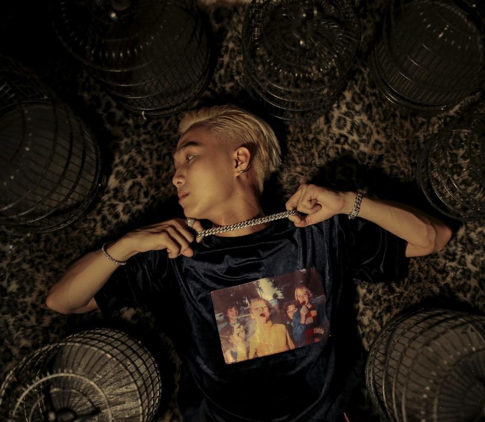 Một mũi tên trúng 2 đích: Nam rapper trẻ vừa ra MV mới, vừa công khai chuyện tình cảm với bạn gái hot girl