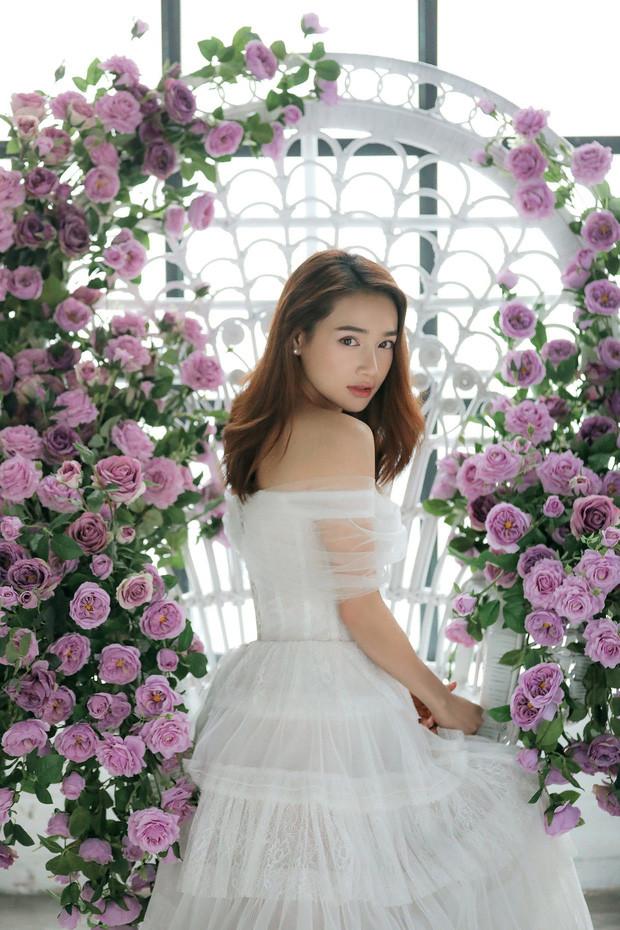 Nhã Phương khoe nhan sắc đỉnh cao xinh đẹp, rạng rỡ trong bộ ảnh mới sau một năm kết hôn