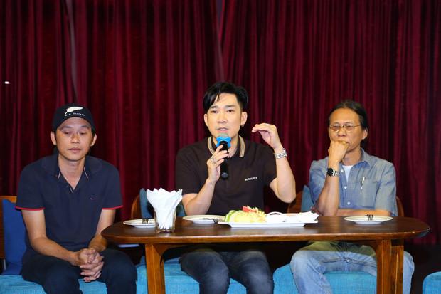 NSƯT Hoài Linh đã dành sự ngưỡng mộ đặc biệt tới Quang Hà khi chứng kiến đàn em vượt qua sự cố lớn