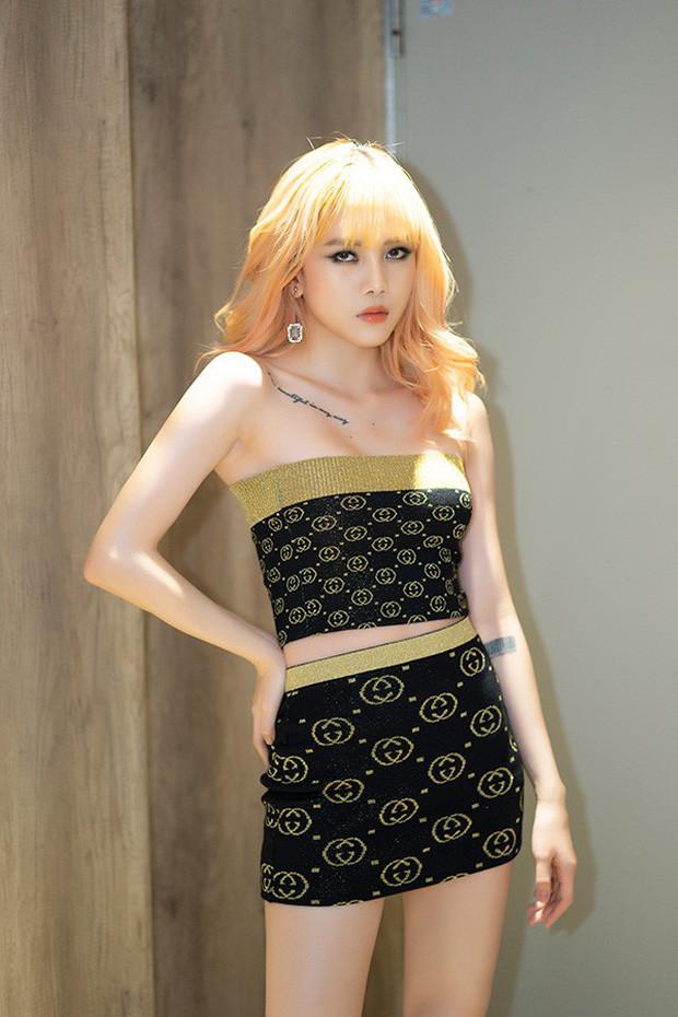 Bạn gái tin đồn Sơn Tùng MT-P không ngại thẳng tay cắt bộ váy 50 triệu kín mít thành gợi cảm hết nấc