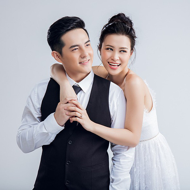Ông Cao Thắng khoe ảnh xác nhận thông tin hôn lễ, không quên gửi lời chúc sinh nhật ngọt ngào dành cho Đông Nhi
