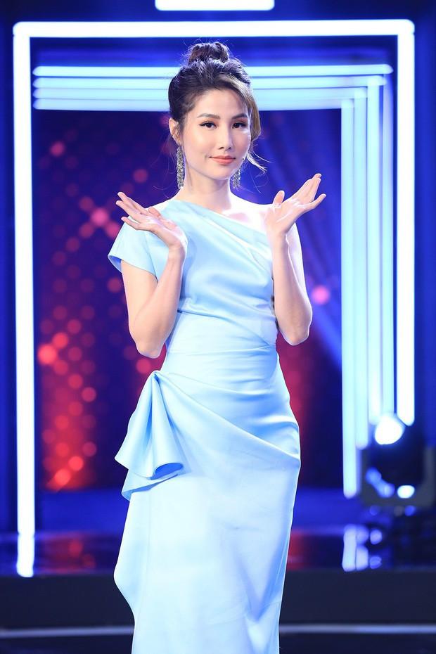 Khi cả 5 người đẹp Vbiz đụng hàng: Midu chiếm thế thượng phong với chiếc túi LV 30 triệu, Hari Won khoe nhan sắc ngọt ngào