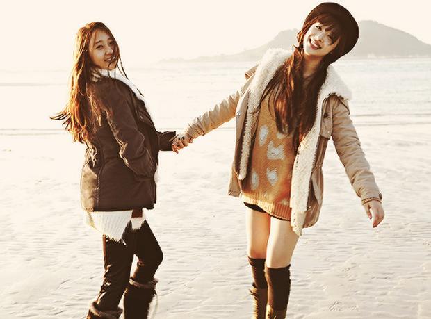 Krystal - cô gái cô độc nhất SM: chị gái Jessica, thành viên f(x) đều rời công ty; chứng kiến người anh Jonghyun và bạn thân Sulli ra đi mãi mãi