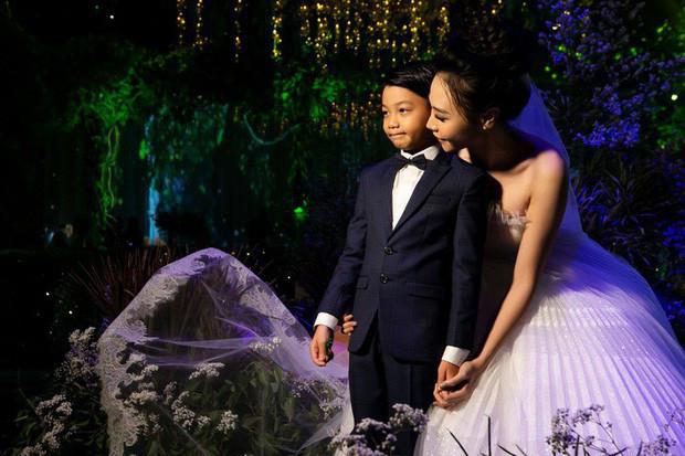Không chỉ Cường Đô La, con trai Subeo cũng dành món quà đặc biệt cho Đàm Thu Trang nhân dịp 20/10