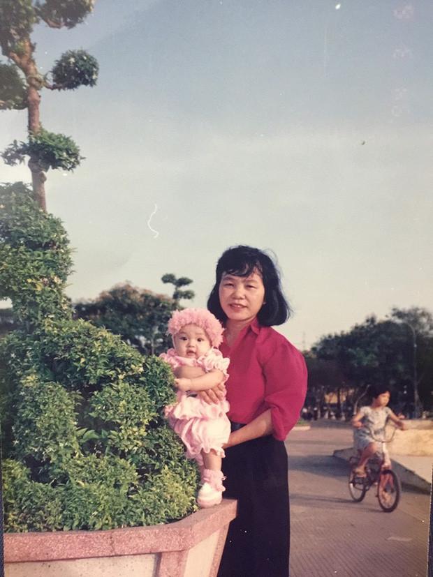Một mình đón 20/10, Thái Trinh viết tâm thư gửi người mẹ đã khuất tròn 10 năm gây xúc động