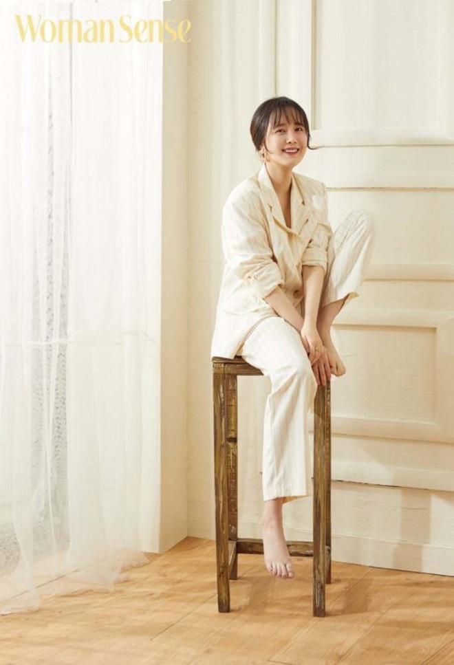 Goo Hye Sun muốn hoãn ly hôn vì mẹ bị u não, Ahn Jae Hyun đáp lại không thể phũ hơn