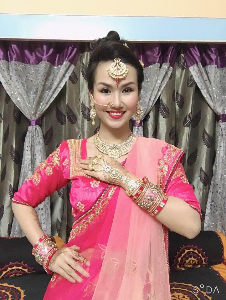 Võ Hạ Trâm hạnh phúc khi diện trang phục truyền thống Ấn Độ trong lần đầu về quê chồng đón Tết