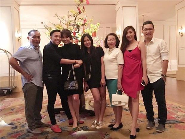 Hari Won khoe khoảnh khắc hạnh phúc bên gia đình Trấn Thành, chứng minh quan hệ tốt đẹp giữa mẹ chồng nàng dâu