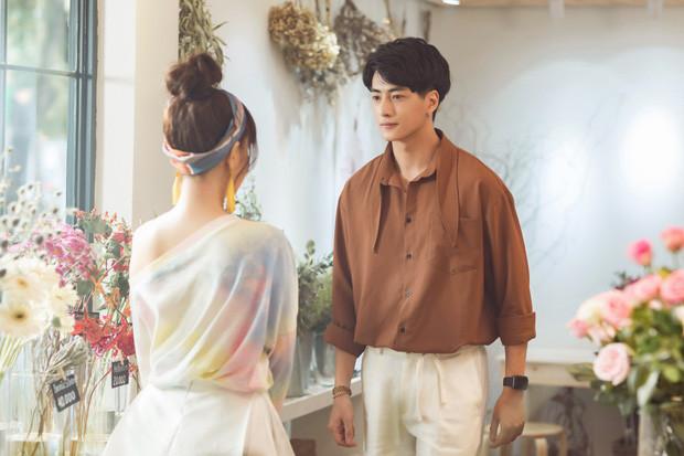 """Phạm Quỳnh Anh """"đổi gió""""  hồi xuân yêu đời nhưng không quên rủ cả Trang Hý lập thành cạ ế cho thêm phần lầy lội"""