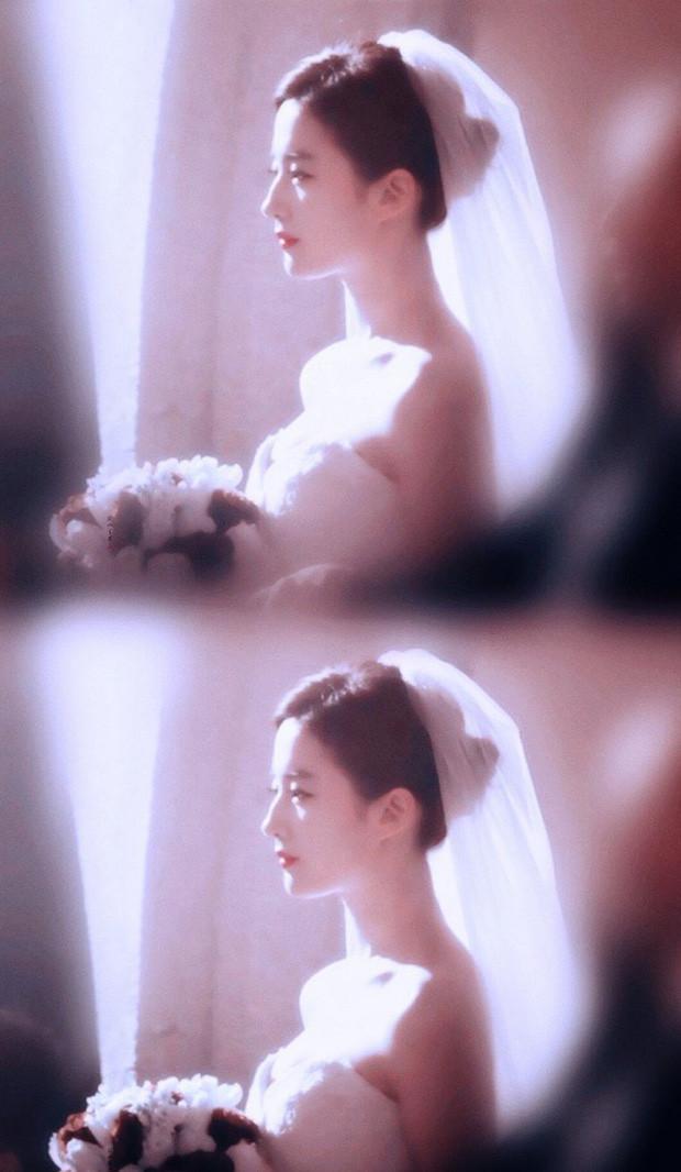 Lưu Diệc Phi mặc váy cưới đẹp đến mê mẩn, khí chất thanh tú không vướng bụi trần Thần tiên tỷ tỷ khó ai lật đổ