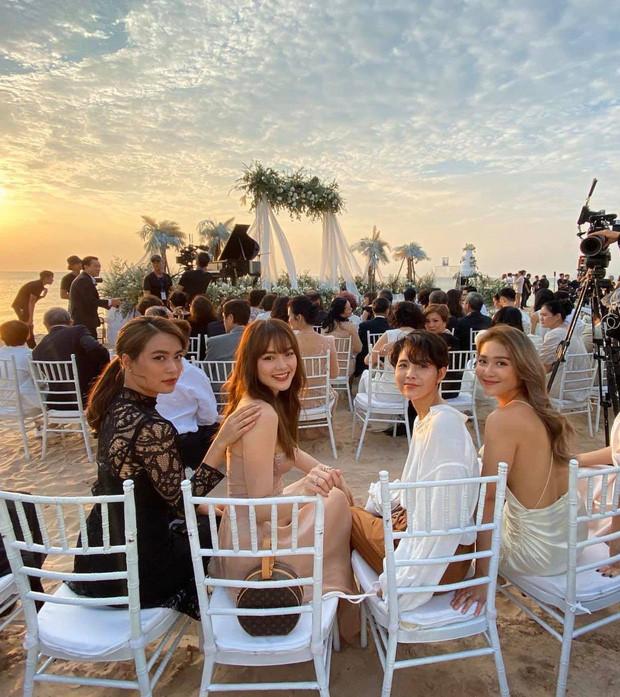 Hội chị em đọ sắc ngợp trời cùng khung hình tại đám cưới Đông Nhi - Ông Cao Thắng