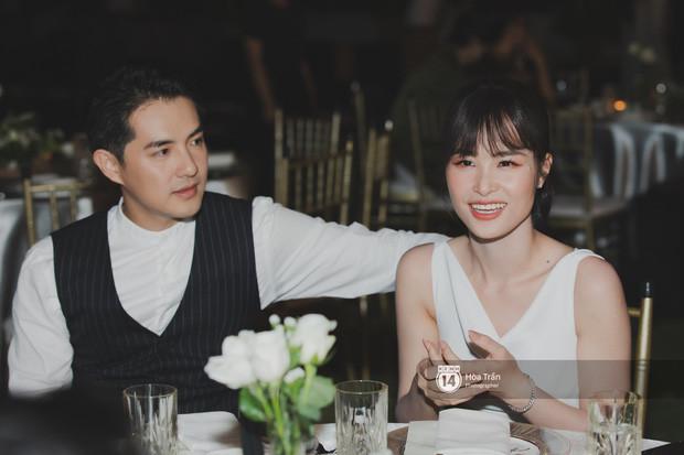 Đông Nhi - Ông Cao Thắng xuất hiện cực hạnh phúc bên nhau tại tiệc cảm ơn
