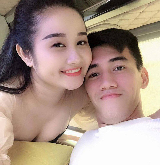 Tiến Linh - cầu thủ mang về chiến thắng cho Việt Nam trước UAE: Từng có mối tình đẹp nhưng giờ thì độc thân vui tính rồi!