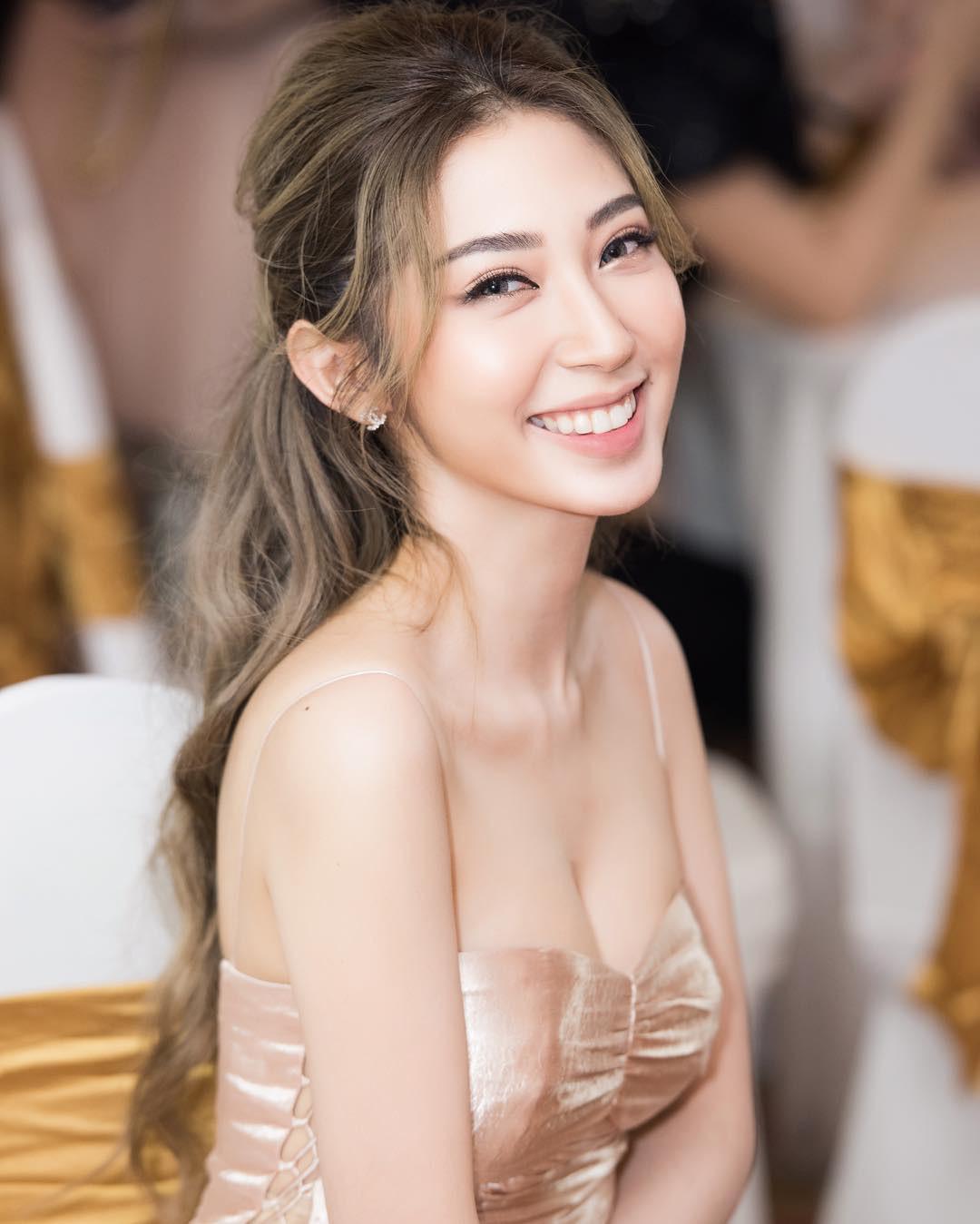Sau Bảo Thy, Đông Nhi vẫn còn 3 mỹ nhân này chưa chịu lấy chồng: Nhan sắc xinh đẹp, gu thời trang hack tuổi!
