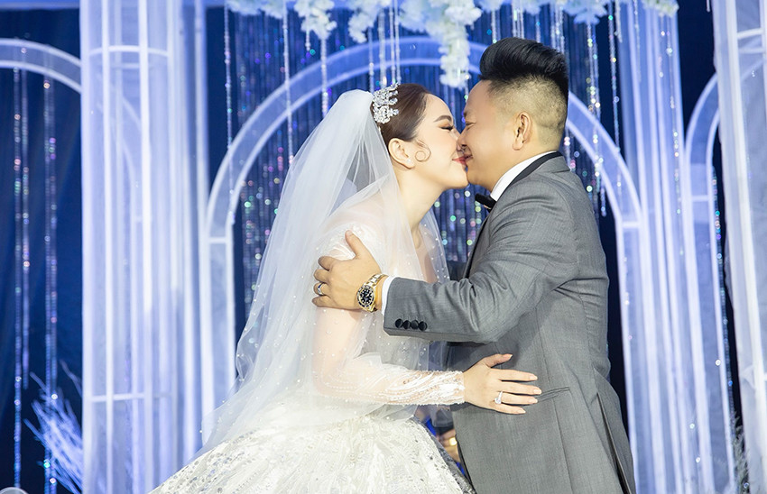 Bảo Thy khoe điệu nhảy kỳ lạ trong tiệc hậu đám cưới, tiết lộ chuyện hài hước của hai vợ chồng sau đêm tân hôn