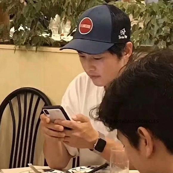 Song Joong Ki lấy lại phong độ sau thời gian bị chê bai xuống sắc hậu ly hôn Song Hye Kyo