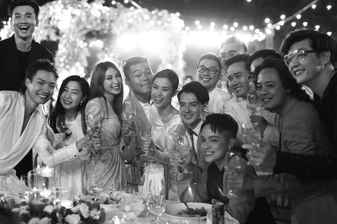 Hậu siêu đám cưới Đông Nhi tung loạt khoảnh khắc đầy cảm xúc trong ngày trọng đại