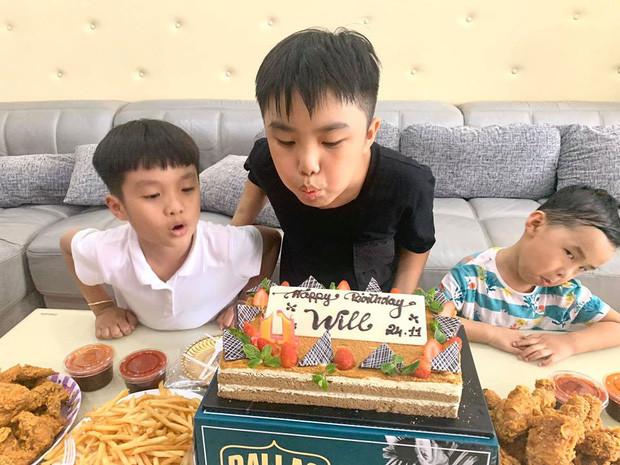 Ưng Hoàng Phúc cùng bà xã Kim Cương tổ chức sinh nhật cho con trai