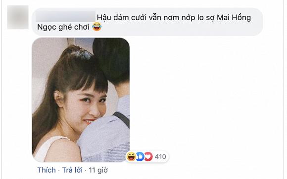 Khoe được xách túi hộ, Đông Nhi khiến CĐM thích thú vì biểu cảm canh me Mai Hồng Ngọc đến cướp chồng