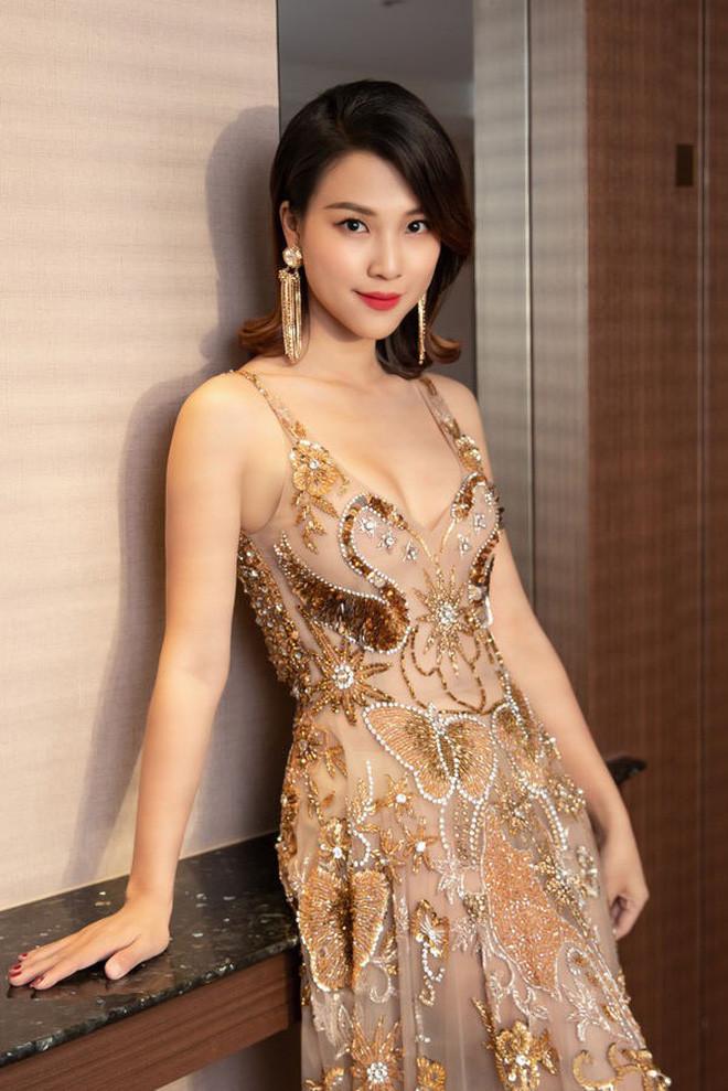 MC Hoàng Oanh nhập viện cấp cứu vì sốt cao cận giờ tổ chức hôn lễ với chồng Tây
