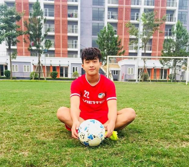Dàn cầu thủ U23 được thầy Park mang sang Hàn Quốc tập huấn không những đá bóng giỏi mà còn toàn là cực phẩm