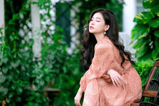Vợ cũ lên tiếng giải thích sau phản ứng đầy ẩn ý khi Hồ Quang Hiếu dính scandal tình ái
