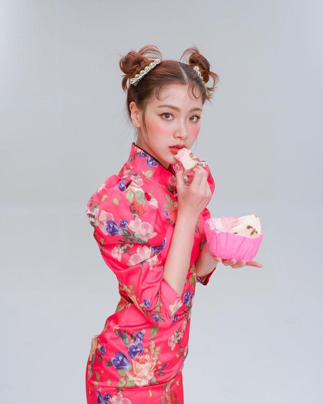 Dàn sao châu Á đón Tết: Jisoo mặc hanbok, Lisa khoe ảnh gợi cảm, Baifern siêu nhắng