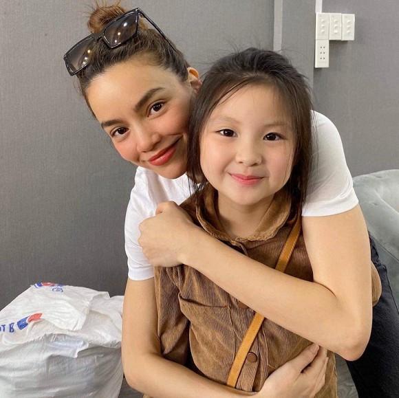 Hội cháu gái của sao Việt sở hữu nhan sắc xinh xắn dự đoán sẽ trở thành những mỹ nhân trong tương lai