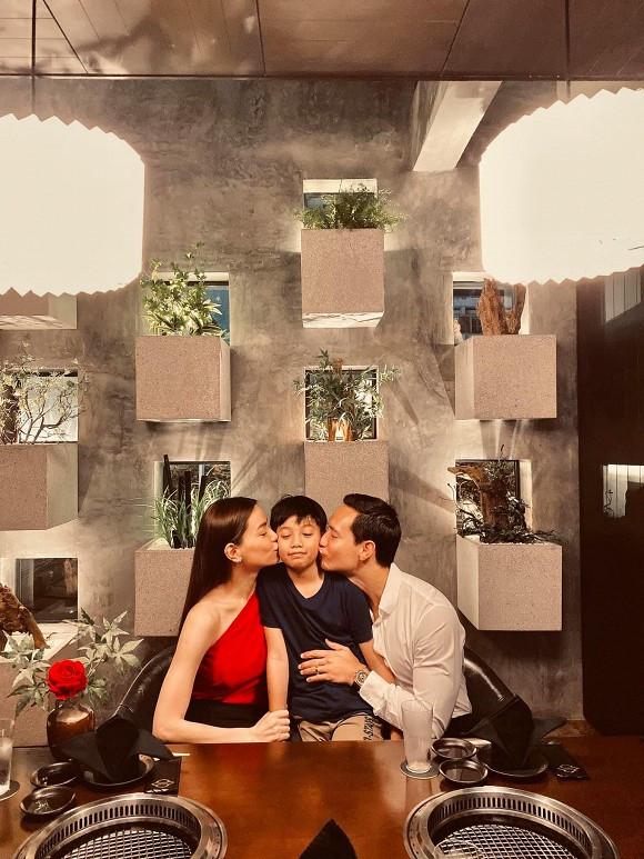 Mừng Valentine lãng mạn với Hồ Ngọc Hà nhưng Kim Lý lại ghi điểm đậm vì hành động tinh tế