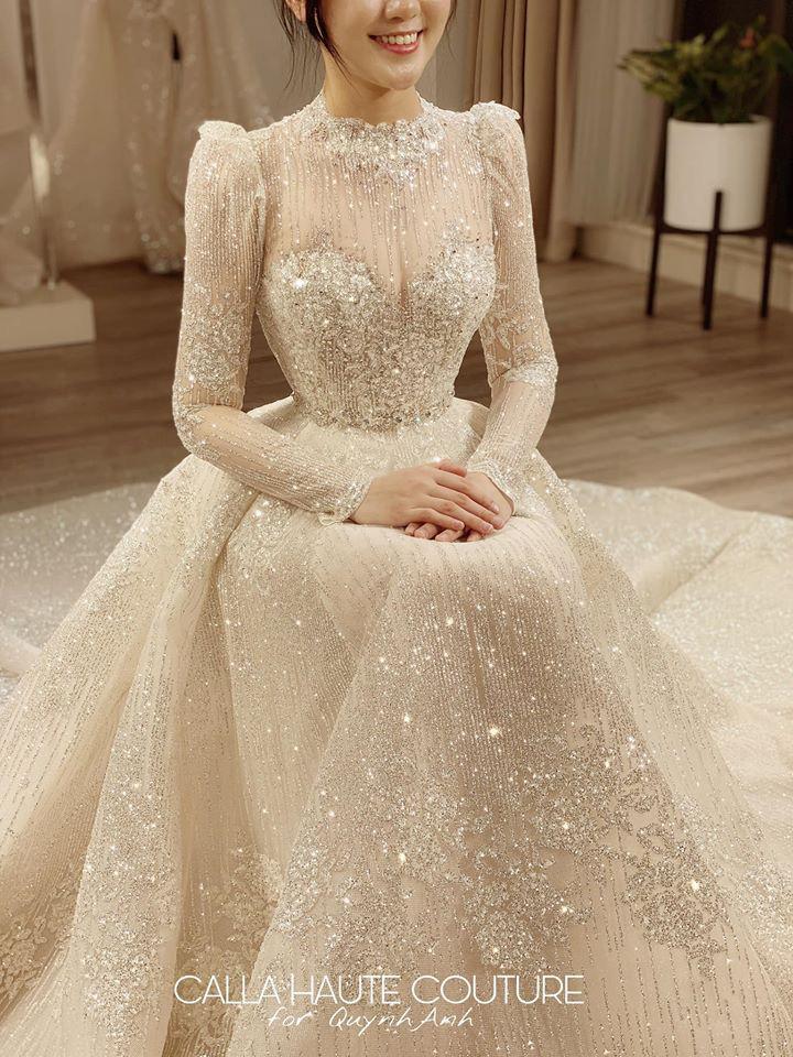 Váy cưới của Quỳnh Anh: Không phải vài trăm triệu mà trị giá 1 tỉ đồng, trong mắt NTK bộ váy này là vô giá