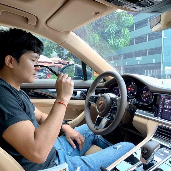 Phản ứng của bạn trai Nhật Lê khi bị tố là lừa đảo, vô danh rẻ tiền, xe hơi cũng phải đi thuê
