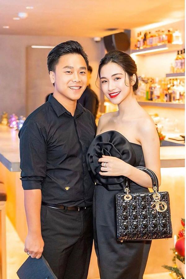 Hòa Minzy hé lộ tài sản khủng ở tuổi 25: Mua nhà tiền tỷ, dùng đồ hiệu