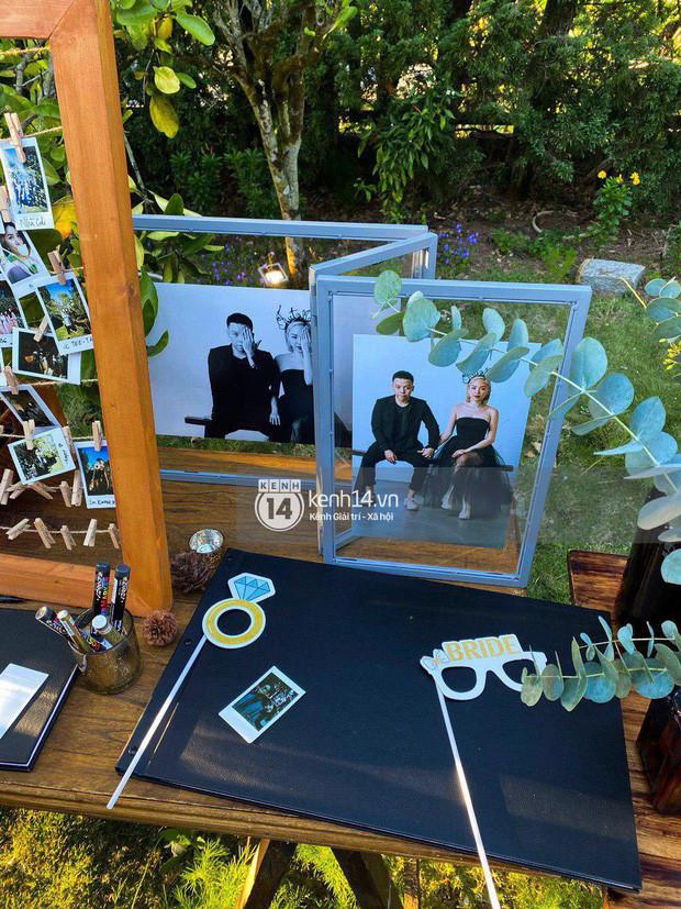 Tan chảy với bộ ảnh cưới của Tóc Tiên và Hoàng Touliver: Ánh mắt, nụ cười ngập tràn hạnh phúc!