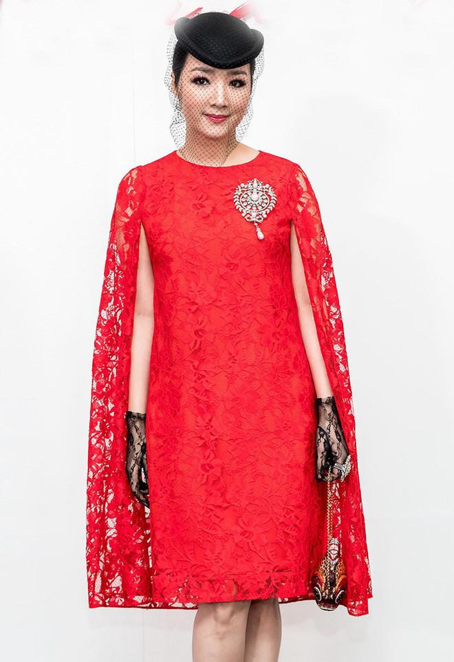 Lụa nào cũng đẹp vì Jennie, bao gồm cả váy ren đỏ kém sang không lối thoát từng khiến nhiều sao Việt lọt hố