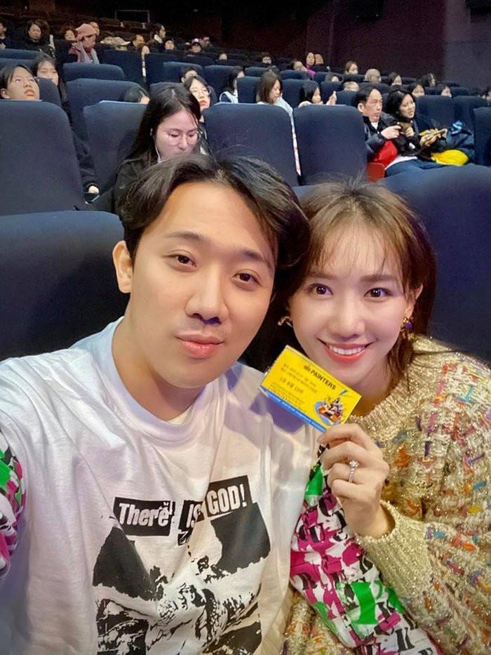 Cùng làm nghệ thuật và cùng dắt tay nhau đi khắp thế giới thưởng thức nghệ thuật, Trấn Thành - Hari Won còn gì hạnh phúc hơn như thế!