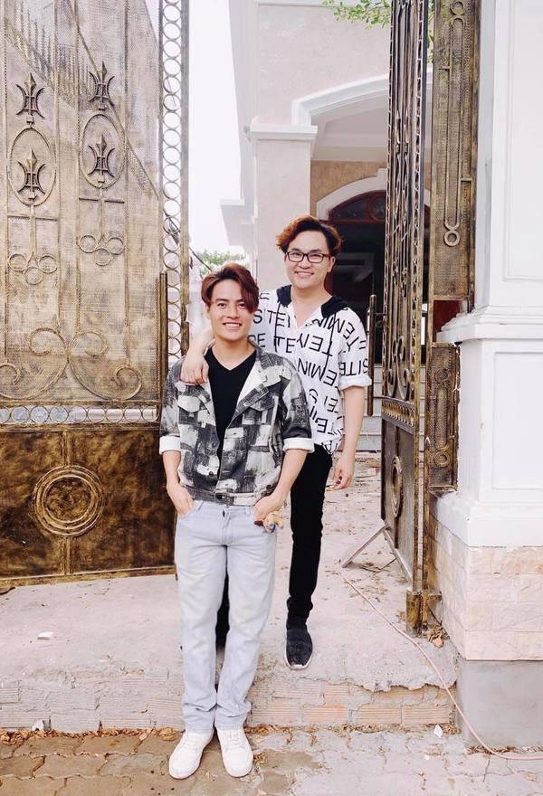 Cận cảnh căn biệt thự như cung điện của MC Đại Nghĩa và đàn em kém 17 tuổi