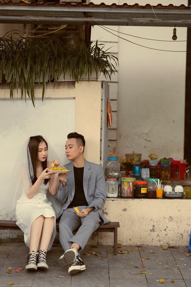 JustaTee-Trâm Anh tung bộ ảnh giản dị nhưng đầy hạnh phúc kỷ niệm 1 năm về chung nhà