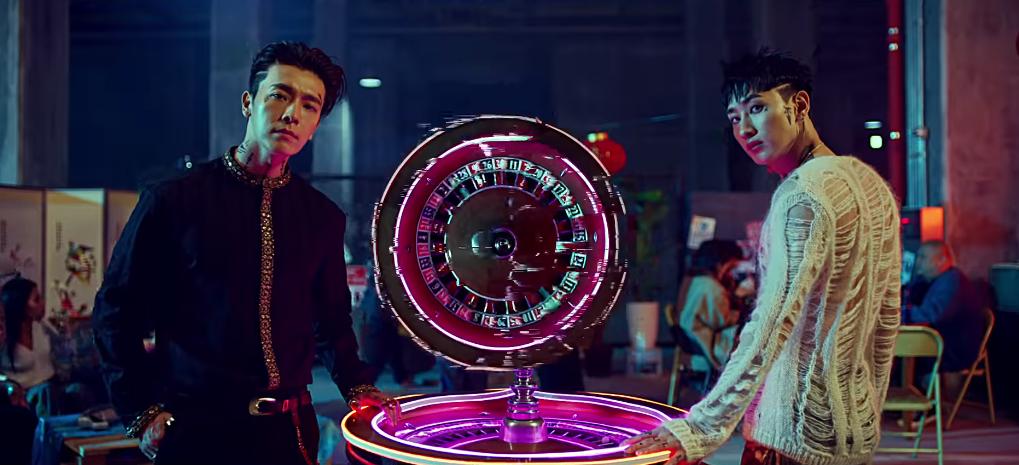 Bộ đôi thành viên Super Junior biến hóa với hình ảnh bad boy đầy hoang dại trong MV mới