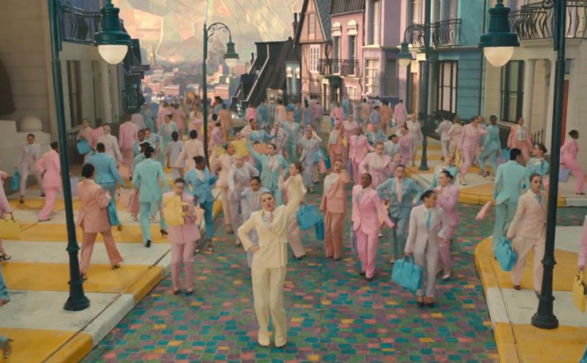 Taylor Swift trở lại ngọt ngào, quẩy hết mình trong MV như thế giới thần tiên