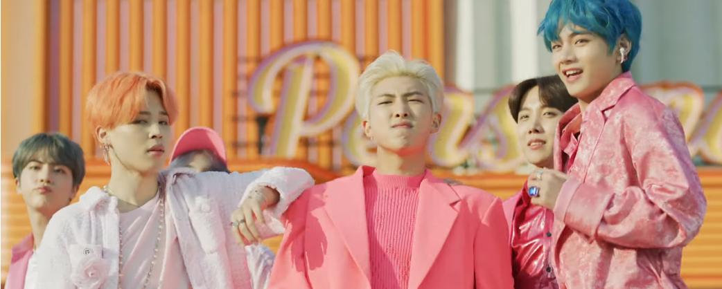 Ai hạnh phúc bằng Army: BTS tung phiên bản Army With Love của MV mới dành tặng fan