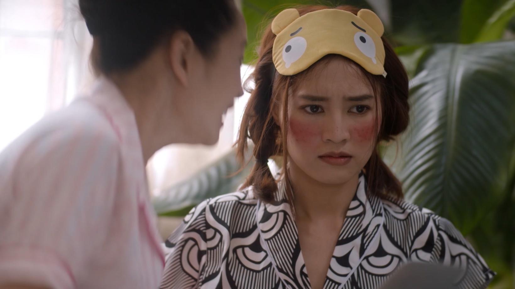 """Rũ bỏ hình ảnh phong trần, Minh Huy """"biến hình"""" thành nhà văn đại tài làm Nam Phong há hốc kinh ngạc"""