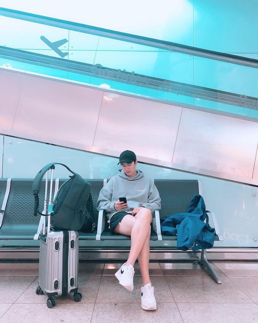 Lee Min Ho đẹp không chừa phần ai: Chân con trai mà trắng, thon và dài đến nỗi khiến chị em cũng phải ghen tỵ