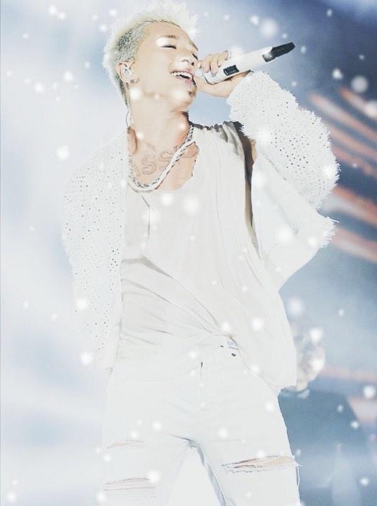 Mừng sinh nhật tuổi 32 của Taeyang: Mặt trời trong lòng Big Bang và V.I.P
