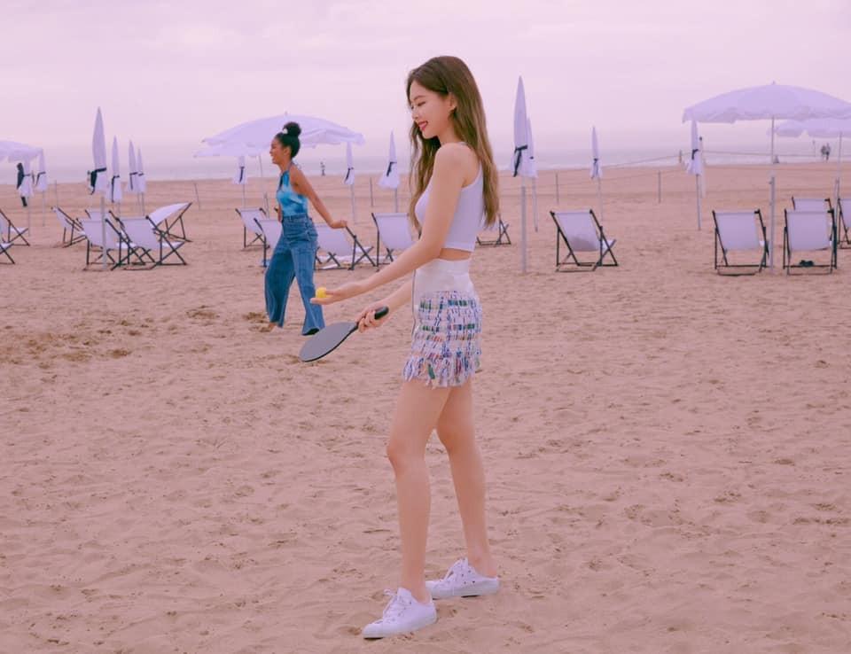 Body Jennie đã đẹp lại ngày càng đẹp hơn, netizen khuyên Nancy nên nhìn mà học tập